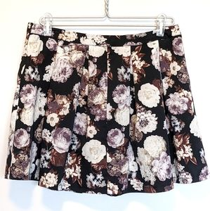 4for$20 Skirt L mini pleated floral Seduction